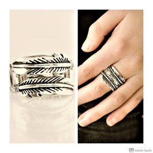 Fearless Flier - Silver Feather Stretch Ring